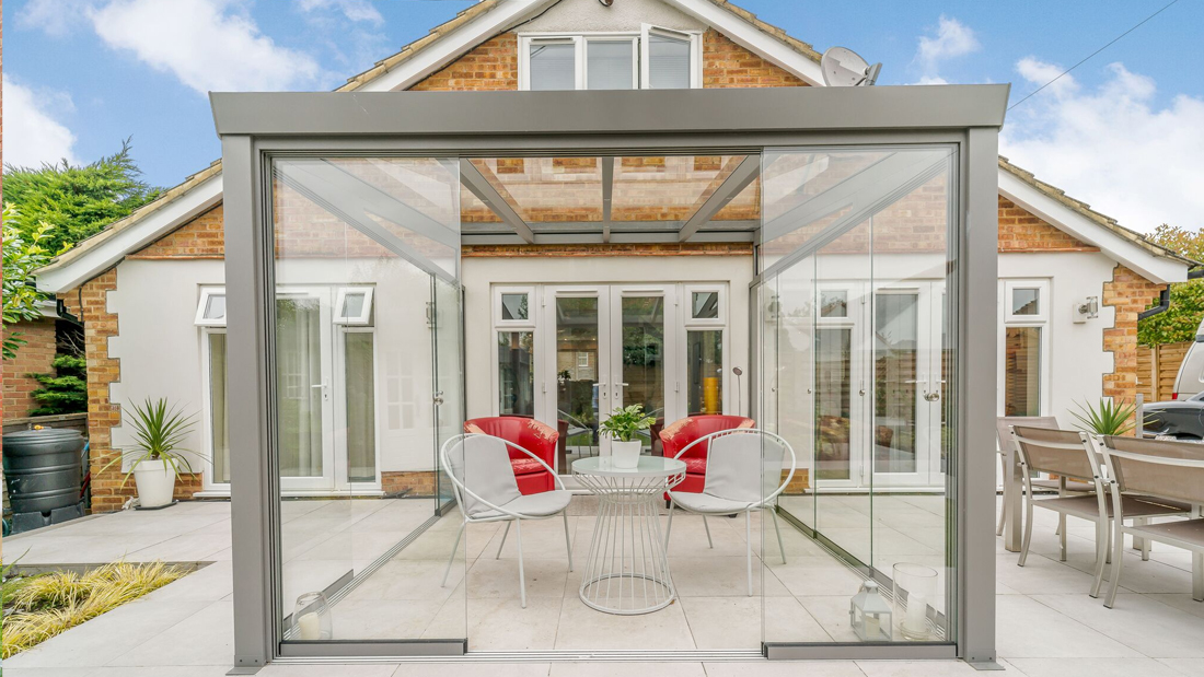 Glass room with porcelain paving