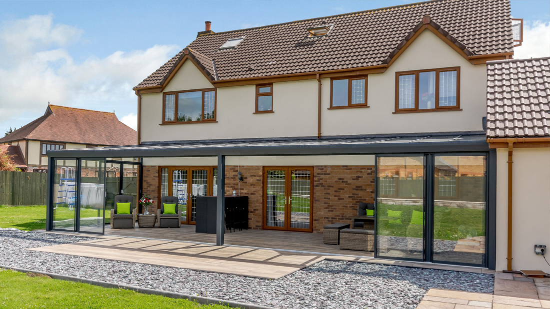 Garden Room with Porcelain Paving