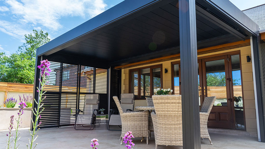 Veranda with louvered sides